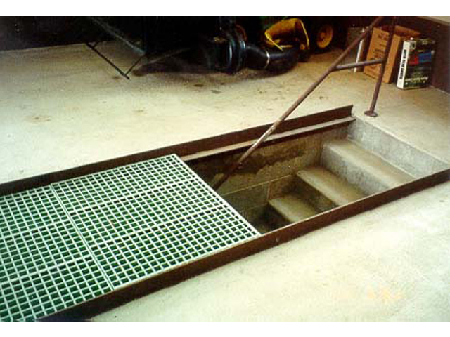 F R P Molded Grating Access Flooring