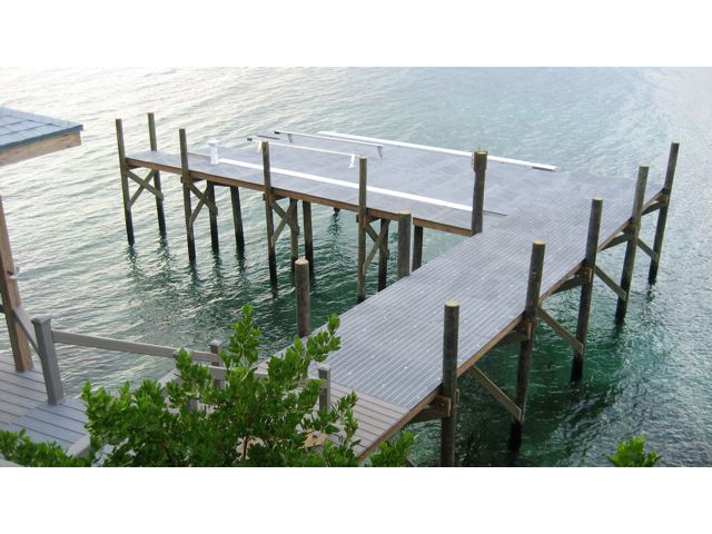 Fiberglass Corrosion Resistant Boat Lift and Dock
